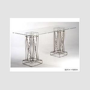 Mesa de Vidro Retangular com Coluna de Ferro